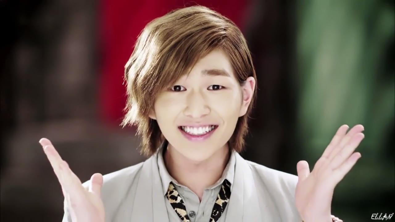 Shinee Hello Onew | Pics | Download |